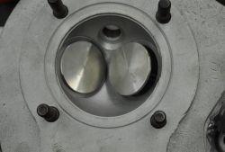 Umbau Zylinderkopf EMW R35 auf bleifrei